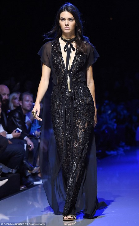 Kendall Jenner Ellie Saab S/S2016 Paris Fashion Week