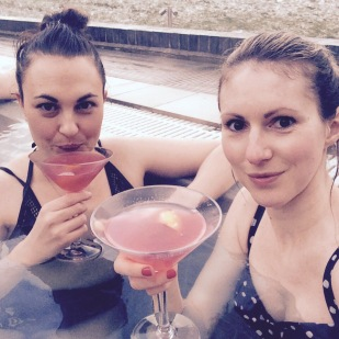 cocktails in hydropool