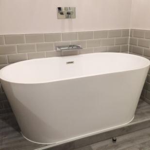 Hotel Bath Tub