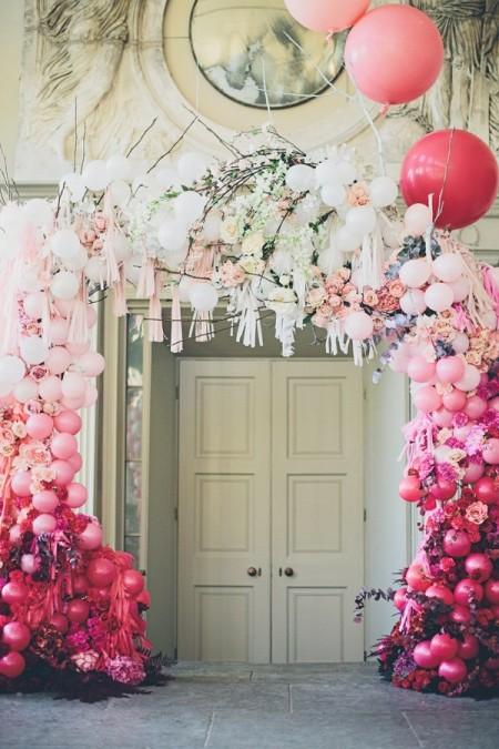 ballon and floral arch